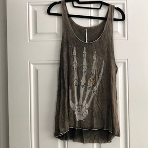 Womens top skull hand size Small
